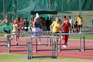 Sports_day_2hurdle_1